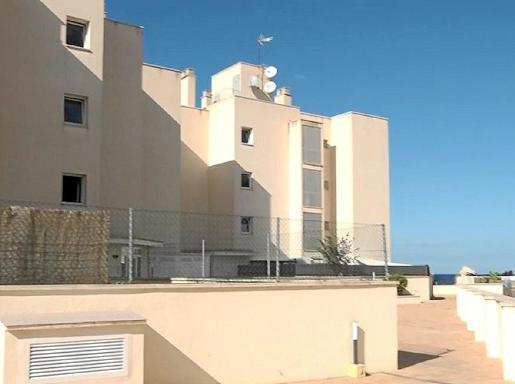 El bloque de viviendas de Cala de Bou en el que se ha producido el conflicto.