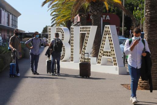 Llegada de vuelos a Ibiza durante la pandemia.