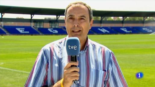 El periodista de TVE José Tomás Martínez durante un directo.