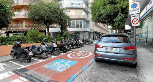 El carrer Aragón, en Vila, con su limitación a 30 kilómetros por hora.