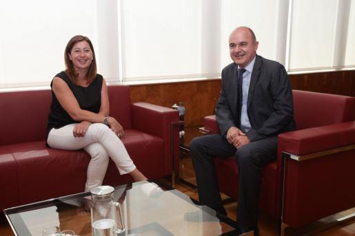 La presidenta del Govern, Francina Armengol, y el presidente del Consell de Ibiza, Vicent Marí.
