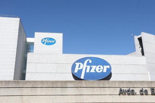 La eficacia de la vacuna que ha desarrollado Pfizer junto a su socia alemana BioNTech SE ha sido consistente en grupos demográficos por etnia y edad.