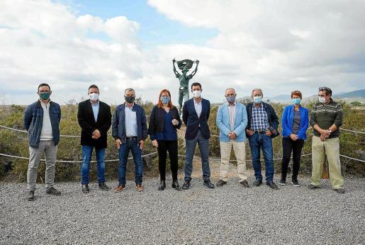 Imagen de la presentación de ayer del nuevo fichaje de El Pi Eivissa para Sant Josep, Paquita Ribas.