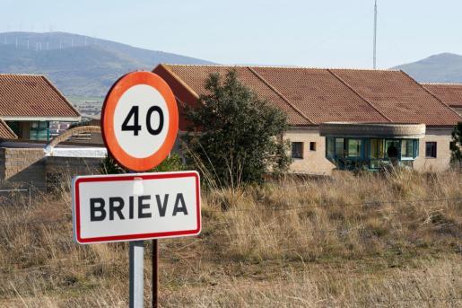 Vista del exterior de la cárcel de Brieva, en Ávila este miércoles, donde han encontrado muerta en su celda, colgada de un cinturón de tela atado a la ventana, a Rosario Porto.