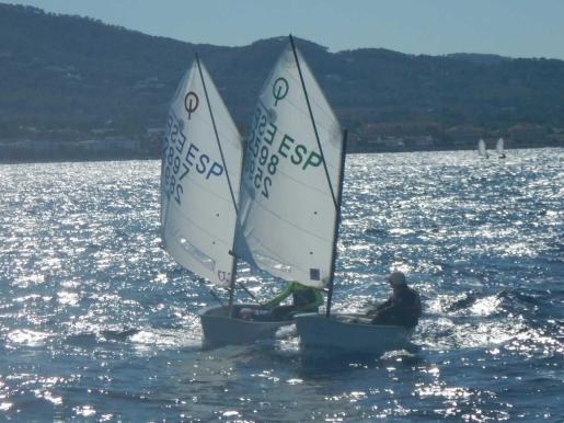 El Club Nàutic Sant Antoni lidera el ranking insular de Optimist, con Joan López y Leo d'Angelo