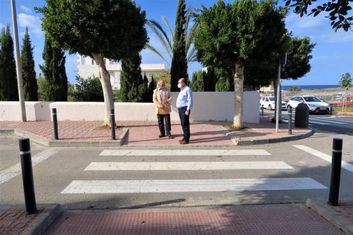 El primer teniente de alcalde y concejal de Obras Públicas de Sant Antoni, Joan Torres, junto al director técnico de Infraestructuras, Mantenimiento y Obras del Ayuntamiento de Sant Antoni, Toni Tur.