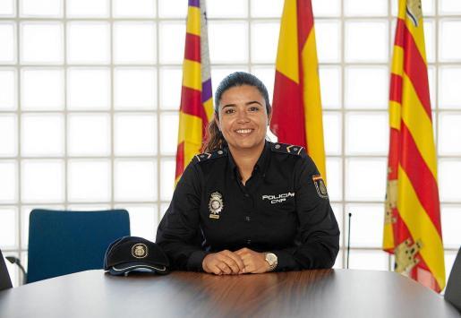 La subinspectora de la UFAM, Jimena López, en la comisaría de la Policía Nacional de Ibiza.