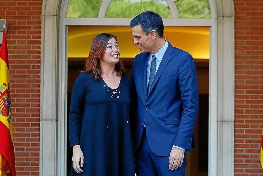 La presidenta del Govern, Francina Armengol, y el presidente del Gobierno, Pedro Sánchez, en una imagen de archivo.