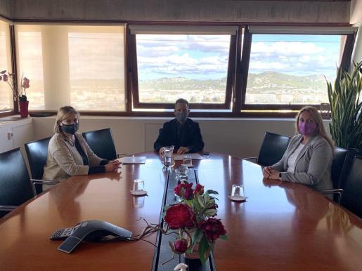 Firma del convenio de colaboración entre el Ayuntamiento de Ibiza y el Consell de Ibiza.