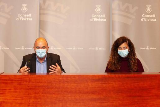 Vicent Marí y Pilar Costa, durante la comparecencia de ayer.