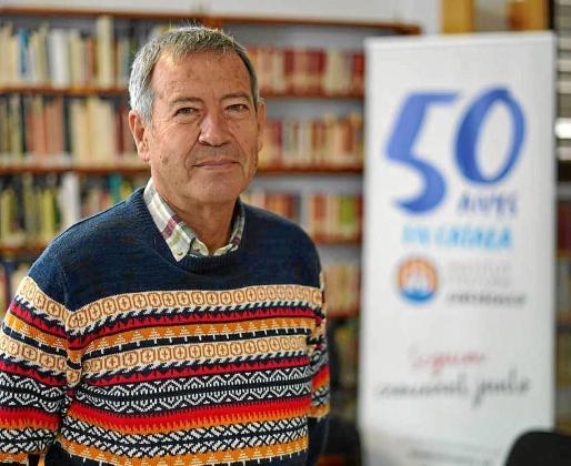 Marià Mayans en la sede del Institut d'Estudis Eivissencs en Ibiza.