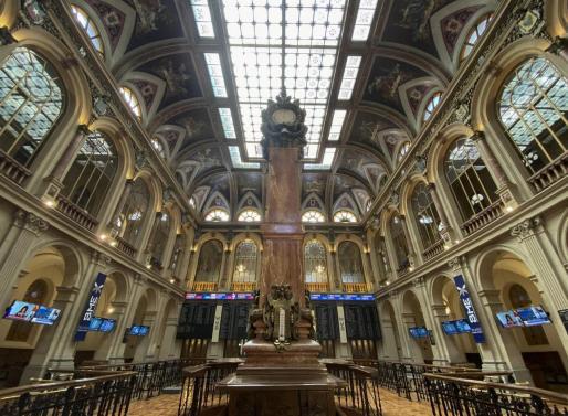 Columna central en el interior del Palacio de la Bolsa de Madrid (España) - Eduardo Parra.