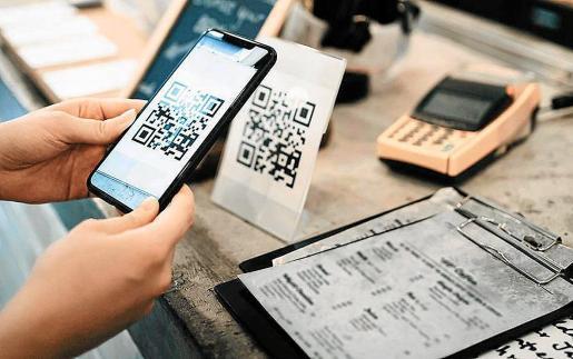 El Govern balear pretende que para entrar en bares, restaurantes y cafeterías haya que tener un código QR.