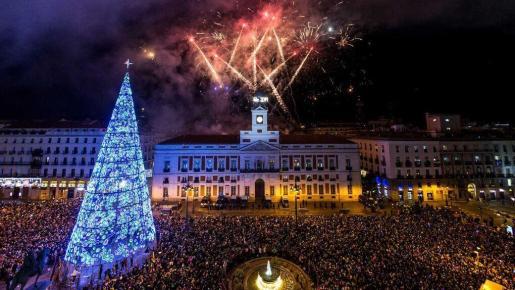 Imagen de archivo de la celebración de las campanadas en la Puerta del Sol.