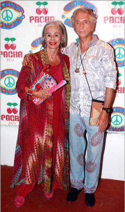 Paola Fendi junto a Carlos Martorell en Ibiza.
