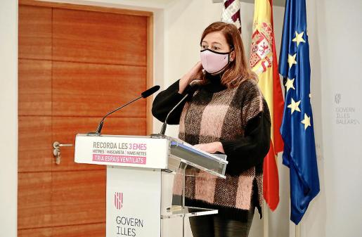 La presidenta balear, Francina Armengol, durante la rueda de prensa de ayer.