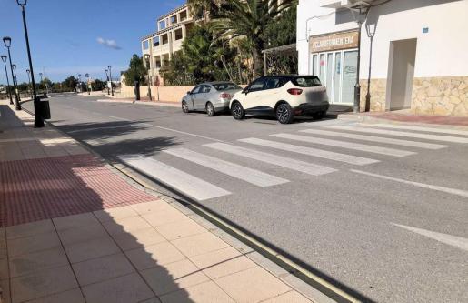 El Consell de Formentera ha eliminado las barreras arquitectónicas de ocho pasos de peatones en es Pujols.