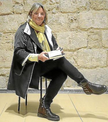 Imagen de archivo de la poeta catalana afincada en Ibiza desde hace décadas Nora Albert