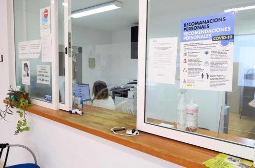 Sant Antoni contrata más personal para reforzar el área de Servicio Sociales.