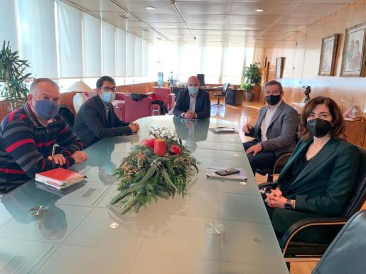 El presidente del Consell de Ibiza, Vicent Marí, se ha reunido este martes con el conseller Negueruela.