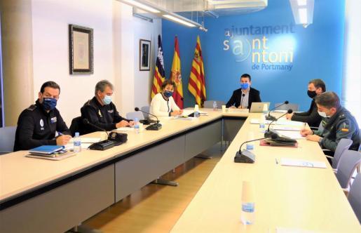 La Junta Local de Seguridad de Sant Antoni se ha reunido este martes en el salón de plenos del Ayuntamiento de Sant Antoni.