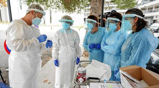 Formación en test de antígenos que tuvo lugar en el Centro de Salud de Vila.