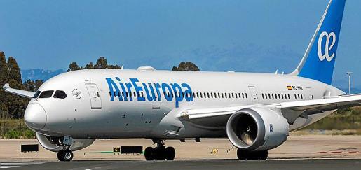 Las bodegas de los Boeing Dreamliner están preparadas para el transporte.