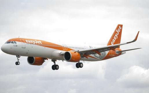 EasyJet recupera enlaces con Ibiza y agrega una ruta con Manchester para la próxima temporada.