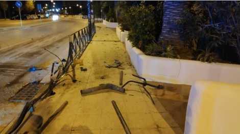Imagen de los destrozos realiazdos por uno de los conductores denunciados.