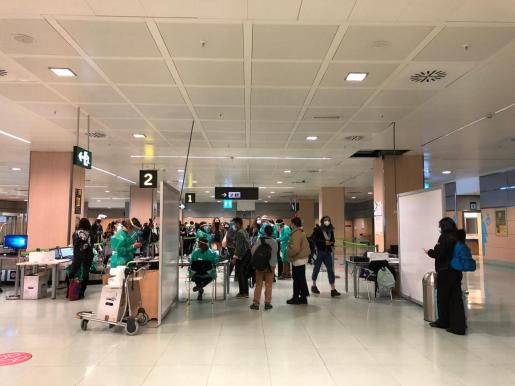 Armengol ha pedido al Gobierno central que extreme el control sobre los vuelos internacionales.