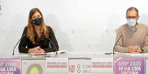 La consellera Patricia Gómez y el doctor Javier Arranz, ayer, en rueda de prensa.