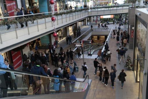 Estas nuevas medidas también afectan a los centros comerciales y grandes superficies.