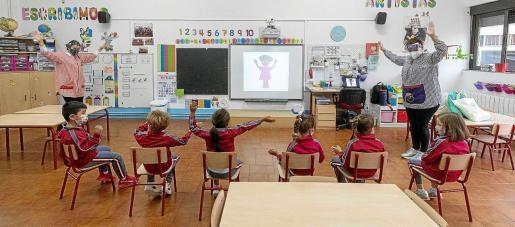 El Govern destinará parte de las ayudas que llegan de la UE a inversiones en materia de educación y prevé mejorar centros escolares.