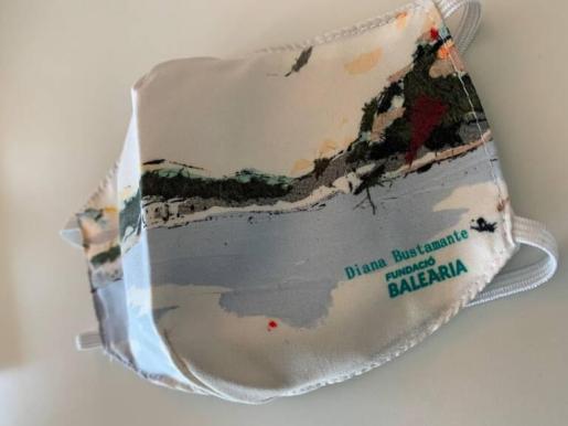 La artista ibicenca Diana Bustamante diseña mascarillas solidarias para la Fundació Baleària.