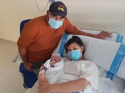 Óscar Gael, el primer bebé nacido en Ibiza en 2021.