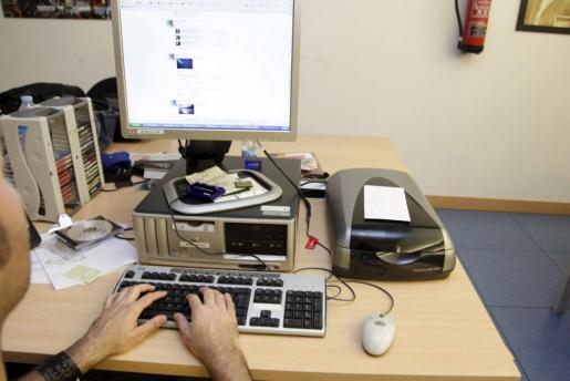 Las restricciones de movilidad y el aumento del teletrabajo han redundado en un mayor uso de internet y de las redes sociales, además del aumento del comercio digital. En paralelo, también han crecido los fraudes.