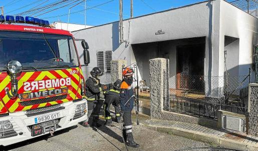 Al incendio acudieron los Bomberos, Protección Civil y la Policía Local de Sant Antoni.