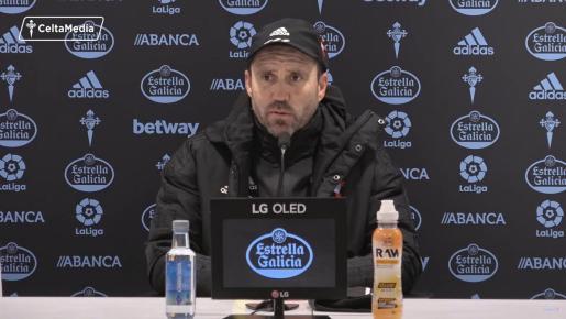 Coudet, ayer durante la rueda de prensa ofrecida tras el entrenamiento de su equipo.