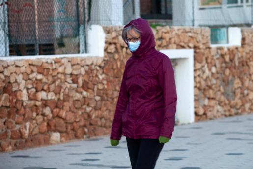 Las temperaturas mínimas caen hasta los 3 y 1 grados centígrados entre hoy y mañana.