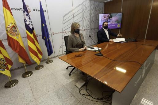 Carolina Escandell y Santi Marí durante la rueda de prensa.