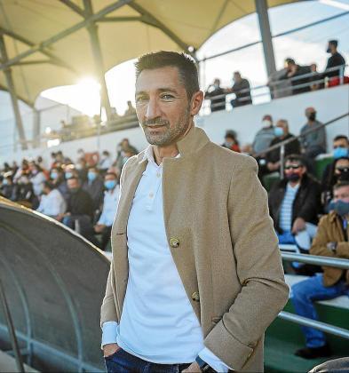 El técnico peñista Raúl Casañ, en una imagen tomada poco antes del derbi contra la UD Ibiza.