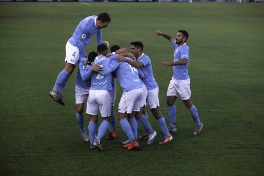 Celebración de un gol de la UD Ibiza.