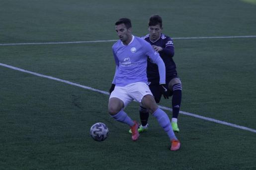 Javi Pérez, durante el partido de ayer.