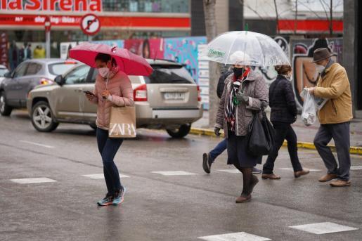 La jornada de ayer fue gris, lluviosa y con mucho frío en Ibiza.