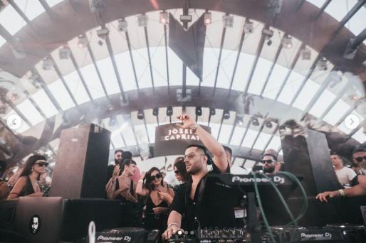 El dj Joseph Capriati pinchando en Destino en junio de 2019, en una foto de su instagram