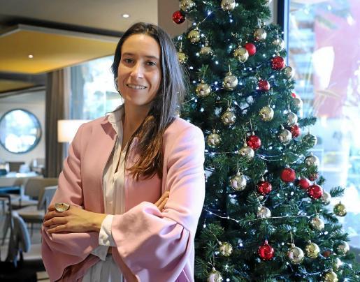 La directora financiera Naomi Riu recuerda que la empresa siempre ha apostado por tener los hoteles en propiedad y por el buen servicio. Foto: Teresa Ayuga