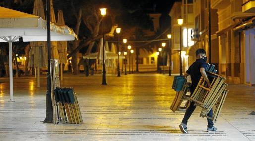 Menorca se benefició desde octubre del toque de queda más laxo, a partir de medianoche, una situación que podría cambiar a partir de ahora.