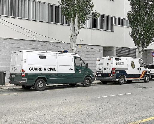 La Guardia Civil intervino diferentes tipos de drogas en casa del detenido.