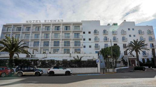 El Riomar, inaugurado en 1968, se encuentra en obras desde hace un año para convertirse en un hotel de lujo.