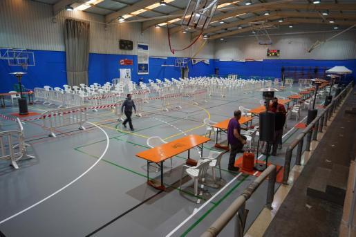A partir de hoy y hasta el jueves, el polideportivo de es Pratet acogerá un cribado masivo con test de antígenos en horario ininterrumpido de 9.00 a 18.00 horas. Salud espera que se puedan hacer más 1.000 pruebas diarias.